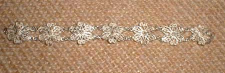 Photo 3 Silver Filigree Flowers Bracelet That Has Seven Complete Flowereasures Roximately 7 25 Long And 0 875 Wide
