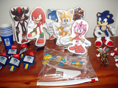 Sonic The Hedgehog Party Package Favors And Action Figures Collectics Antiques And Collectibles